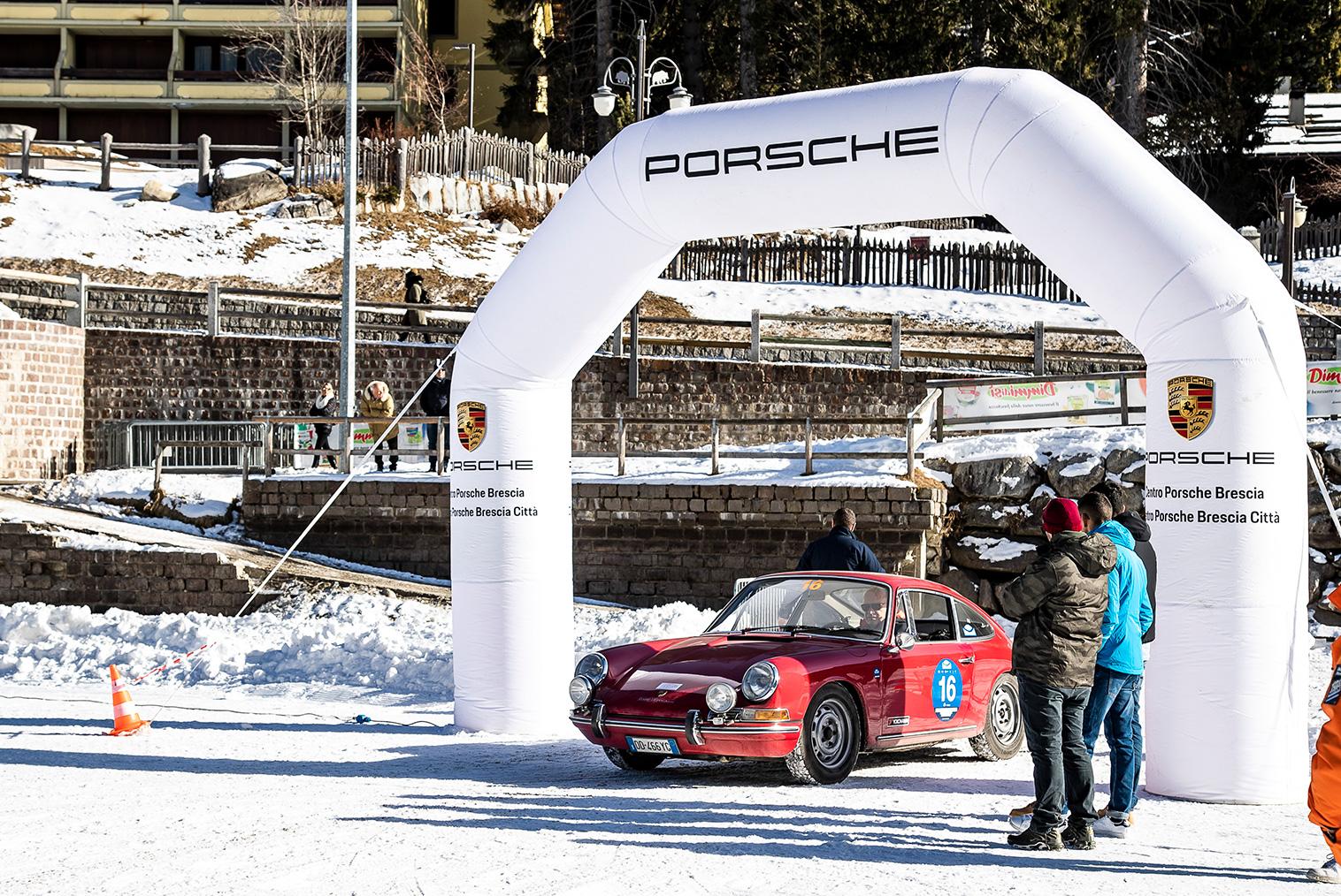 Winter Marathon and Centro Porsche Brescia, a bond that continues on the Dolomites